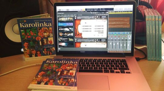 Karolinka – book & DVD